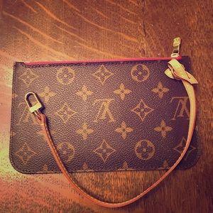 Louis Vuitton Neverfull clutch!! New!!